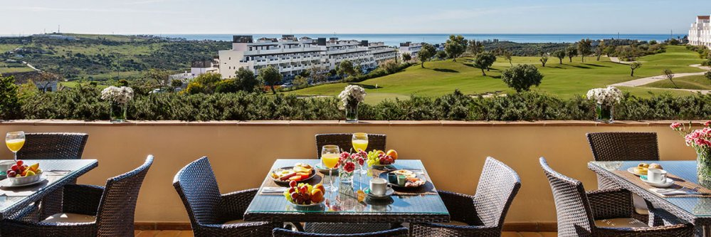 Resort 4* en Estepona con Media Pensión (Costa del Sol)